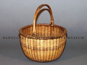 Accession No. 924 Open round basket with a bail handle
